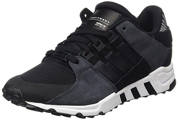 Zapatillas de deporte de la marca adidas duras y resistentes, de color negro con costuras ultra resistentes.