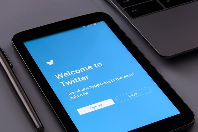 gana dinero con twitter